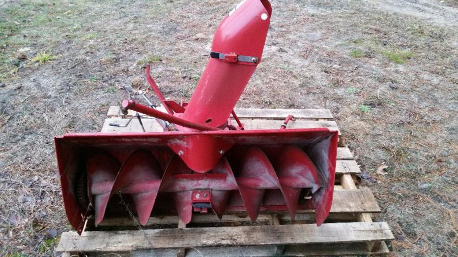 SOLD !!! Bolens / Troybilt lawn tractor snowblower attachment